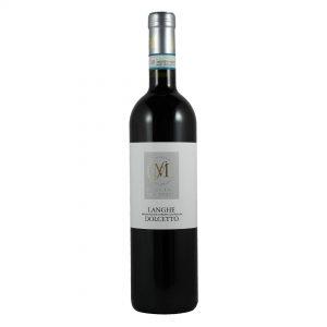 Fles rode Italiaanse wijn van Dolcetto druif