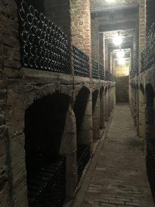 Wijnopslag in historische wijnkelder Maastricht